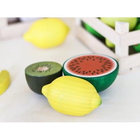 Acheter Demi kiwi - jouet fruit en bois pour dinette - 1,99€ en ligne sur La Petite Epicerie - Loisirs créatifs