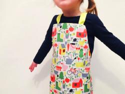 Acheter Tablier en toile cirée pour enfant - motifs la campagne - 9,49€ en ligne sur La Petite Epicerie - Loisirs créatifs