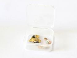 Acheter Petite boîte plastique - carré - 0,00€ en ligne sur La Petite Epicerie - Loisirs créatifs