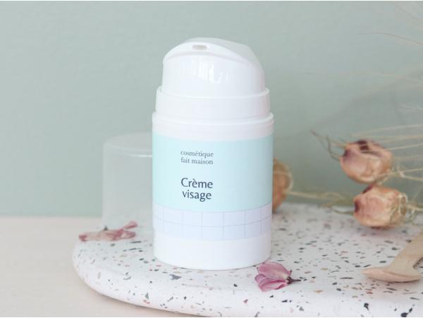 Acheter Kit cosmétique - crème hydratante visage - 21,99€ en ligne sur La Petite Epicerie - 100% Loisirs créatifs