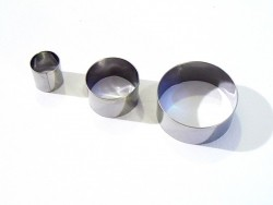 3 biscuit cutters - Circles