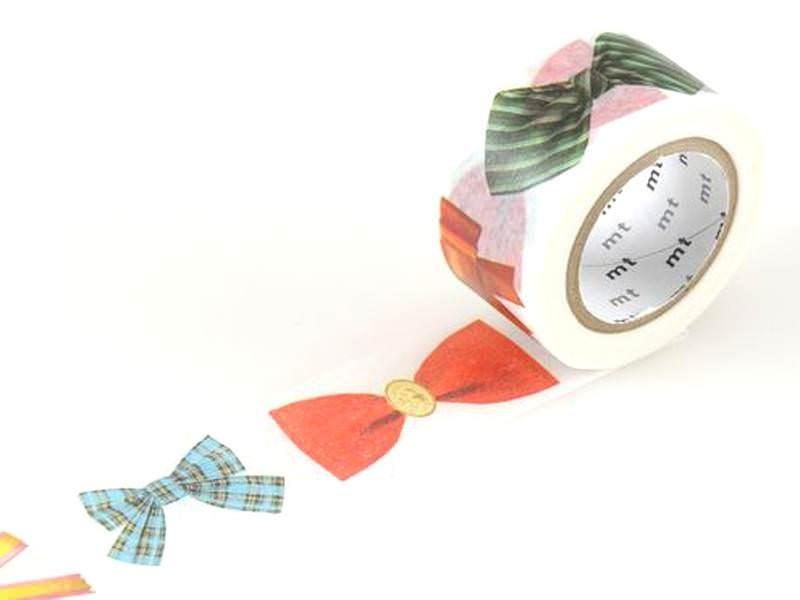 Acheter Masking tape motif noeuds - 25 mm - 5,50€ en ligne sur La Petite Epicerie - Loisirs créatifs