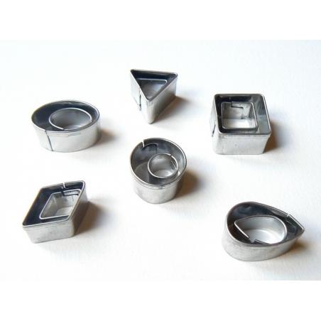 Acheter 12 petits emporte-pièces - 7,50€ en ligne sur La Petite Epicerie - 100% Loisirs créatifs