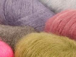 Acheter Laine Drops - Kid Silk - 02 noir - 4,50€ en ligne sur La Petite Epicerie - Loisirs créatifs