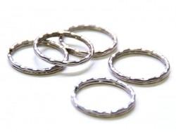1 anneau à porte clefs - cranté