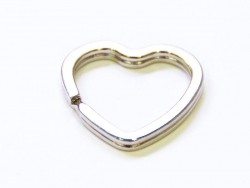 1 keyring - heart-shaped