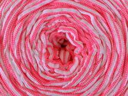 Acheter Grande bobine de fil trapilho - rayures horizontales roses fluo et blanches - 7,90€ en ligne sur La Petite Epicerie ...