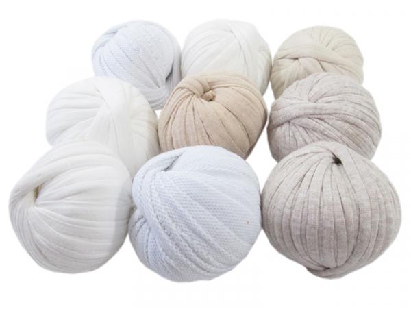 Acheter 9 mini boules de fil trapilho - dégradé de blanc - 8,49€ en ligne sur La Petite Epicerie - 100% Loisirs créatifs