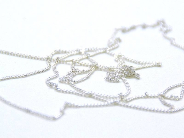 1 m of light silver-coloured curb chain - 1 mm