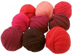 Acheter 9 mini boules de fil trapilho - dégradé de rouge - 8,49€ en ligne sur La Petite Epicerie - 100% Loisirs créatifs
