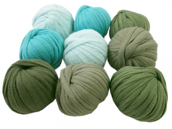 Acheter 9 mini boules de fil trapilho - dégradé de vert - 8,49€ en ligne sur La Petite Epicerie - 100% Loisirs créatifs