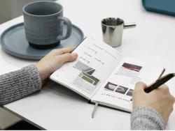 Acheter Carnet à petits carreaux - Beige - 7,99€ en ligne sur La Petite Epicerie - Loisirs créatifs