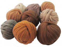 Acheter 9 mini boules de fil trapilho - dégradé de marron - 8,49€ en ligne sur La Petite Epicerie - Loisirs créatifs