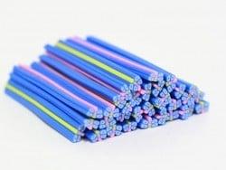 Cane papillon bleu à fleurs en pâte polymère