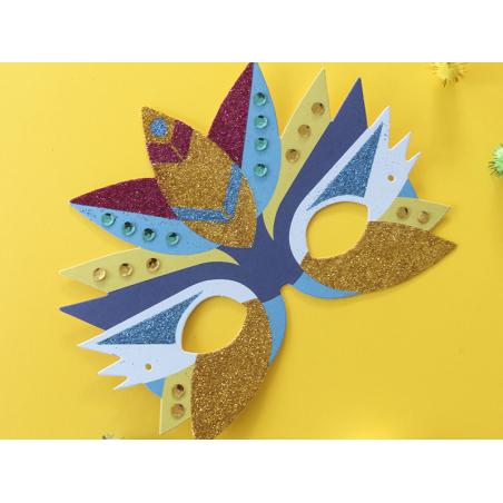 Acheter Coffret créatif - mes masques en paillettes et sequins - 3 masques à décorer - 7,95€ en ligne sur La Petite Epicerie...