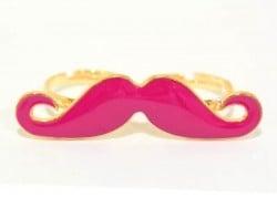 Une double bague moustache rose  - 1