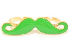 A green moustache double ring