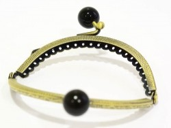 Snap clasp with black buttons