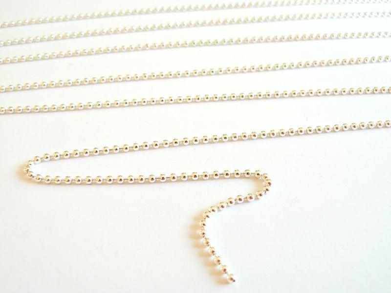 Light silver-coloured ball chain (1 m)  - 1.5 mm