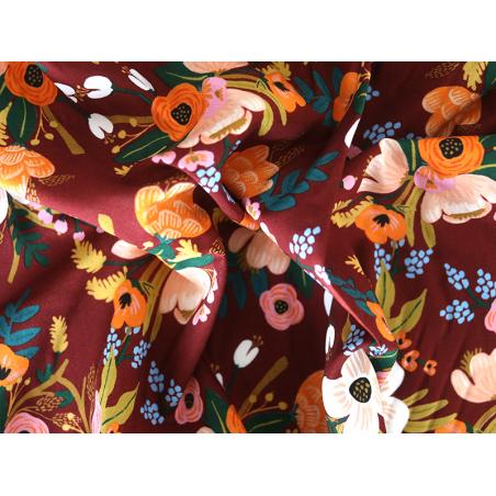 Acheter Tissu viscose Rifle Paper - Amalfi Lively Floral Burgundy - 2,89€ en ligne sur La Petite Epicerie - Loisirs créatifs