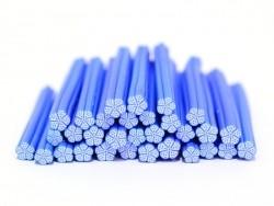 Cane fleur blanche aux contours et pois bleus