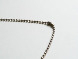 Collier chaine bille- couleur argent foncé - 60 cm