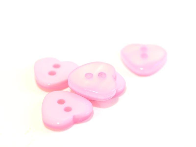 Bouton plastique - Coeur nacré rose 12x11mm
