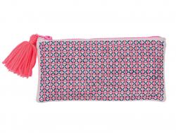 Acheter Grande trousse à broder - dessins géométriques - tons roses - 19,99€ en ligne sur La Petite Epicerie - Loisirs créatifs
