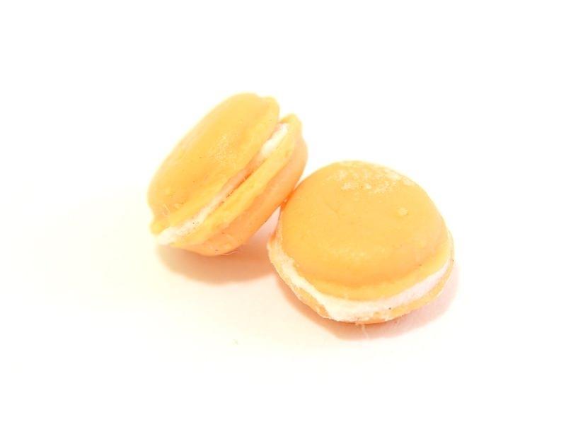 Acheter 1 mini macaron - orange - 2,49€ en ligne sur La Petite Epicerie - Loisirs créatifs