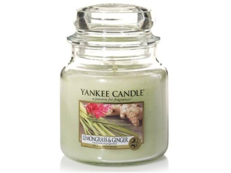 Acheter Bougie Yankee Candle - Citronnelle et Gingembre / Lemongrass and Ginger - Moyenne Jarre - 24,89€ en ligne sur La Pet...