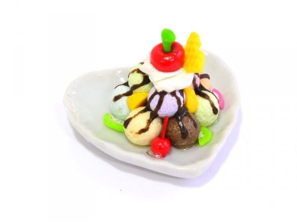 Magnificent miniature ice-cream sundae - heart-shaped
