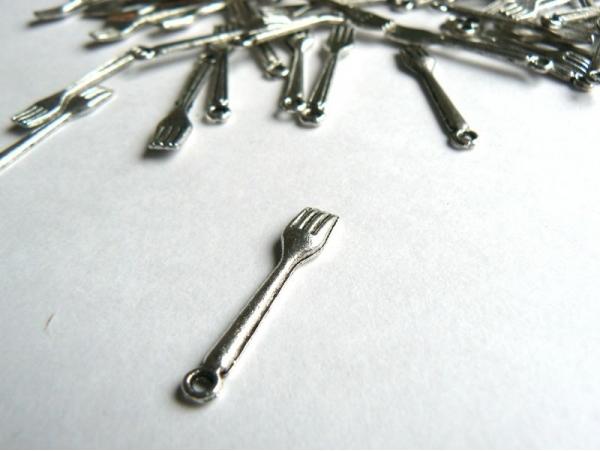 Acheter Fourchette miniature - couleur argent - 0,39€ en ligne sur La Petite Epicerie - Loisirs créatifs