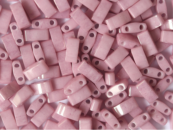 Acheter Perles Half tila 2,3 mm - Opaque Antique Rose Luster TLH599 - 3,59€ en ligne sur La Petite Epicerie - Loisirs créatifs
