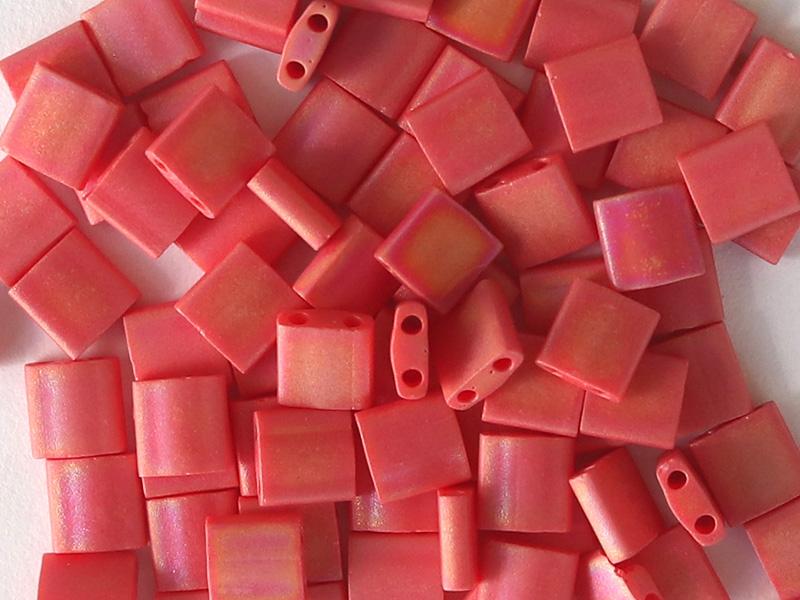 Acheter Perles Tila 5 mm - Matte opaque Red Ab TL408FR - 3,29€ en ligne sur La Petite Epicerie - Loisirs créatifs