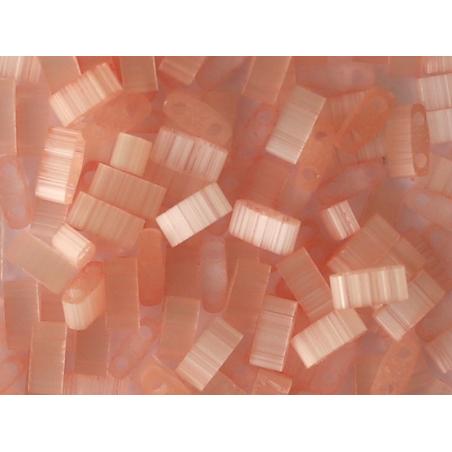 Acheter Perles Half tila 2,3 mm - Silk Pale Coral TLH2556 - 3,69€ en ligne sur La Petite Epicerie - Loisirs créatifs