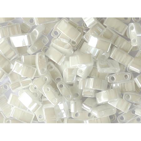 Acheter Perles Half Tila 2,3 mm - White Pearl TLH420 - 3,39€ en ligne sur La Petite Epicerie - Loisirs créatifs