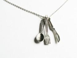 Lot de 3 couverts argentés: breloques couteau, fourchette et cuillère