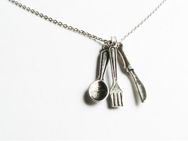 Lot de 3 couverts argentés: breloques couteau, fourchette et cuillère  - 1