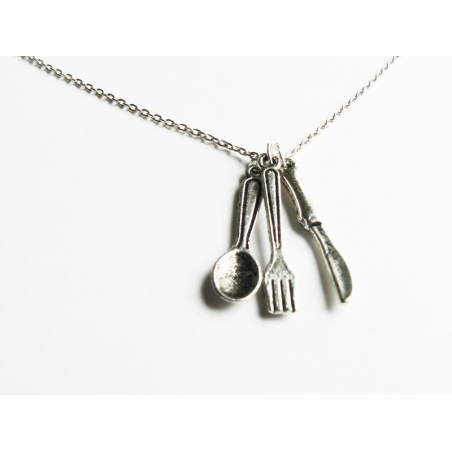 Silver-coloured set with 3 pieces of cutlery: knife, for, and spoon charms