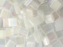 Acheter Perles Tila Bead 5mm - Crystal Silk Satin AB TL2549 - 3,19€ en ligne sur La Petite Epicerie - Loisirs créatifs