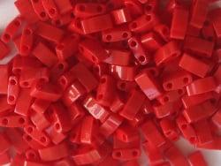 Acheter Perles Half Tila 2,3 mm - Opaque Red TLH408 - 3,29€ en ligne sur La Petite Epicerie - Loisirs créatifs