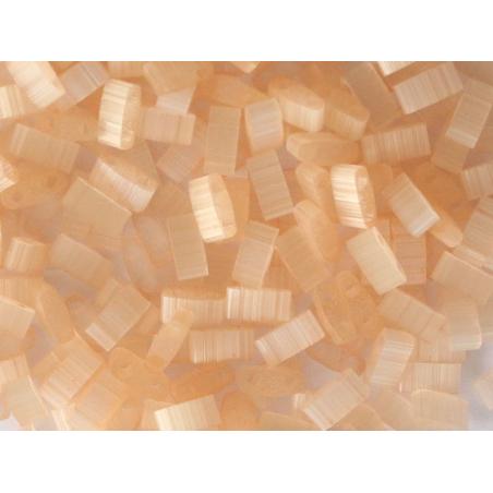 Acheter Perles Half Tila 2,3 mm - Silk Pale Light Coral TLH2555 - 3,69€ en ligne sur La Petite Epicerie - Loisirs créatifs