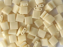 Acheter Perles Tila Bead 5mm - Ivory Pearl Ceylon Luster TL491 - 2,89€ en ligne sur La Petite Epicerie - Loisirs créatifs