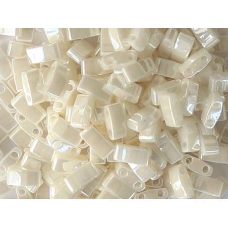 Acheter Perles Half tila 2,3 mm - Antique Ivory Pearl Ceylon TLH592 - 3,59€ en ligne sur La Petite Epicerie - Loisirs créatifs