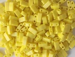 Acheter Perles Half Tila 2,3 mm - Matte Opaque Yellow AB TLH404FR - 3,49€ en ligne sur La Petite Epicerie - Loisirs créatifs