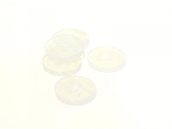 Acheter Bouton plastique 11 mm nacré blanc - 0,39€ en ligne sur La Petite Epicerie - Loisirs créatifs
