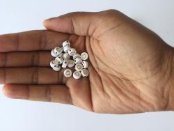 Acheter Lot de 20 perles rondes - Coeurs dorés - 1,19€ en ligne sur La Petite Epicerie - Loisirs créatifs