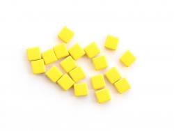 Acheter Lot de 10 perles tuiles carrées en métal de 7x7 mm - Jaune - 3,99€ en ligne sur La Petite Epicerie - Loisirs créatifs