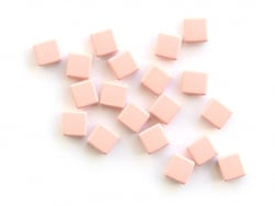 Acheter Lot de 10 perles tuiles carrées en métal de 7x7 mm - Beige - 3,99€ en ligne sur La Petite Epicerie - Loisirs créatifs