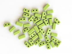 Acheter Lot de 10 perles tuiles fines en métal de 3x7 mm - Vert clair - 3,49€ en ligne sur La Petite Epicerie - Loisirs créa...